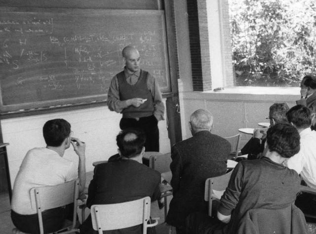 Alexandre Grothendieck en séminaire à l'IHES dans les années 60