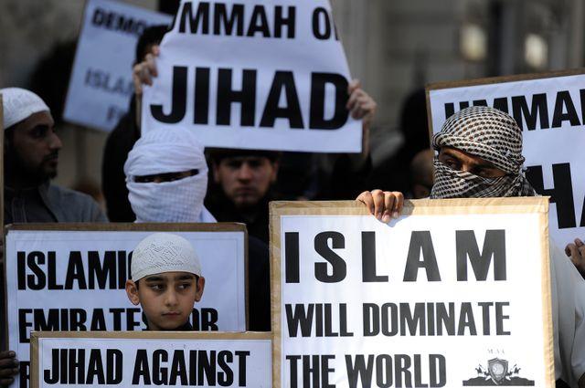Manifestation de musulmans radicaux devant l'ambassade américaine à Londres le 11 septembre 2011