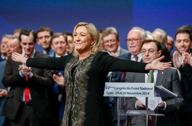 Marine Le Pen réélue présidente du FN dimanche
