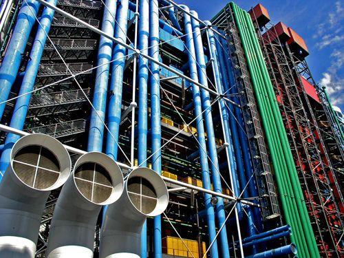 Façade du centre Georges Pompidou - Beaubourg à Paris