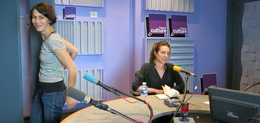Studio 153, quelques réglages d'Elise Leu, prise de son & Anne-Hélène Dubray ( de gauche à droite )