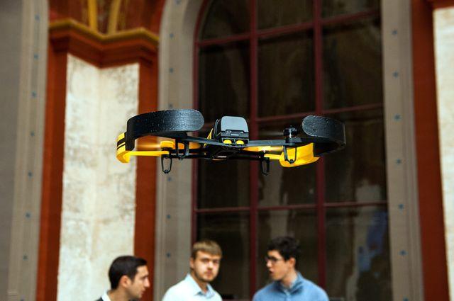 Les professionnels du drones s'inquiètent des conséquences de ces survols