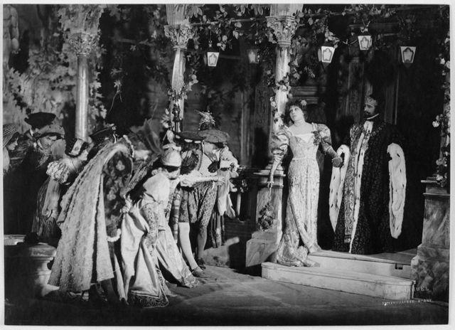 Angelo, tyran de Padoue 1905 Henri Manuel, Sarah Bernhardt ( Tisbe ) et Desjardins ( Angelo ) , journée I, scène 1.