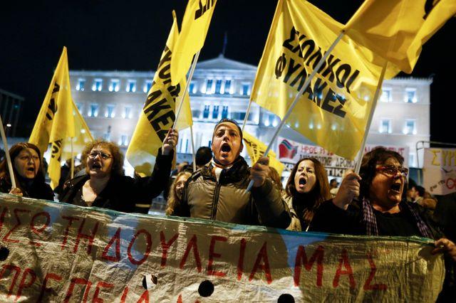 Violences à Athènes après une manifestation en mémoire d'un adolescent tué par la police