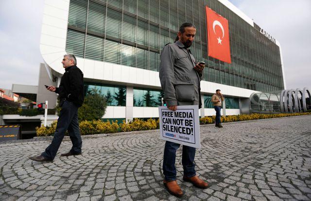 24 personnes ont été interpellées ce dimanche dans des médias d'opposition turcs.