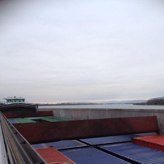 Un fleuve aménagé pour le transport de marchandises...