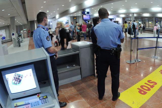 Contrôles à l'aéroport de Nice