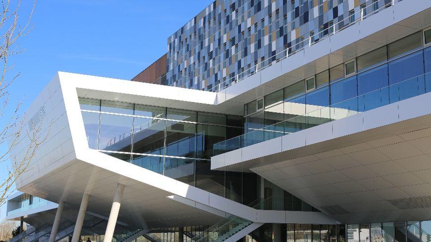 Le tout nouveau bâtiment de 22 000 m² de KEDGE Business School