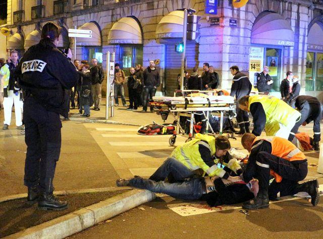 Onze personnes ont  été blessées ce dimanche soir à Dijon.