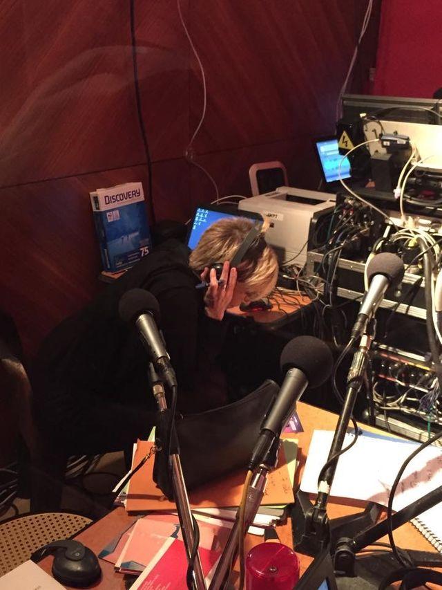 Valli est concentrée sur le son @Cigale