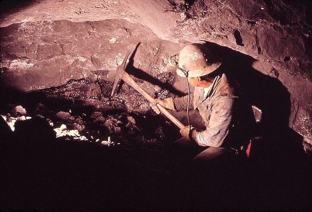 UNDERGROUND URANIUM MINING in Nucla (Montrose county, Colorado)