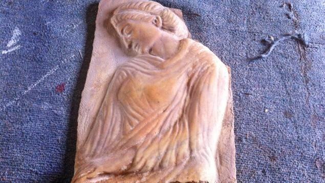 Parmi les œuvres d'art sorties de Syrie, ce morceau de bas-relief