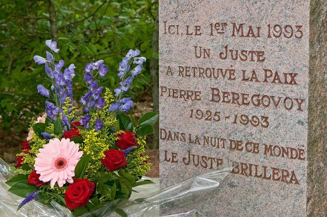Tombe Pierre Bérégovoy