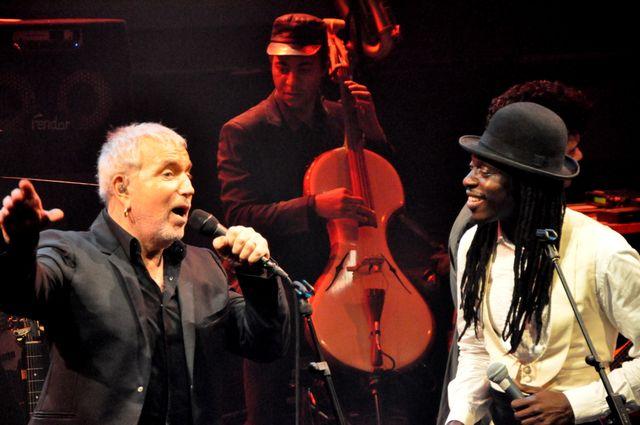 Bernard Lavilliers & Faada Freddy - Partons en live