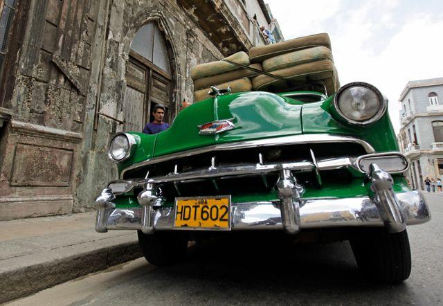 Une Chevrolet de 1954 à La Havane