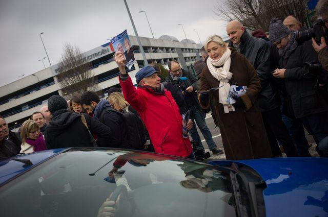 Marine Le Pen à Peugeot PSA Sochaux