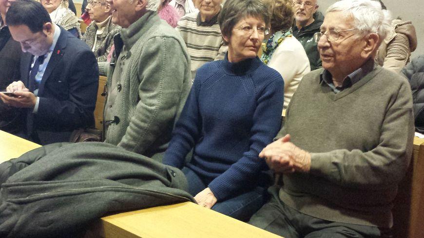 Jean Mercier (à droite) et sa fille Marie-Pierre lors de l'audience au tribunal de Saint-Étienne (Julie Szmul)