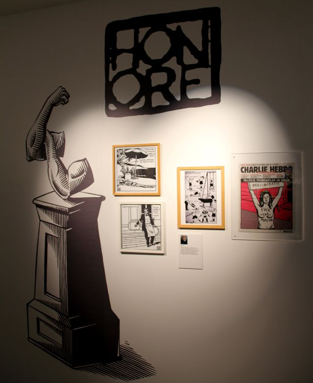 Dans l'exposition Charlie Hebdo, la partie consacrée aux auteurs - Honoré