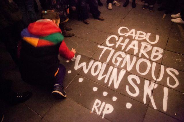 Lors de la manifestation hier soir à Paris.