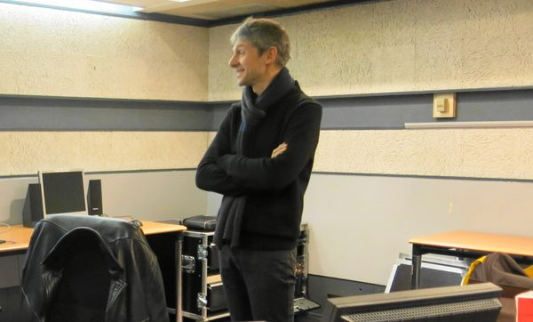 France Musique, studio 155, le pianiste Florent Boffard très attentif     © Annick Haumier-Radio France