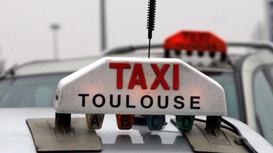 toulouse les taxis pas pr ts accepter la carte bleue. Black Bedroom Furniture Sets. Home Design Ideas