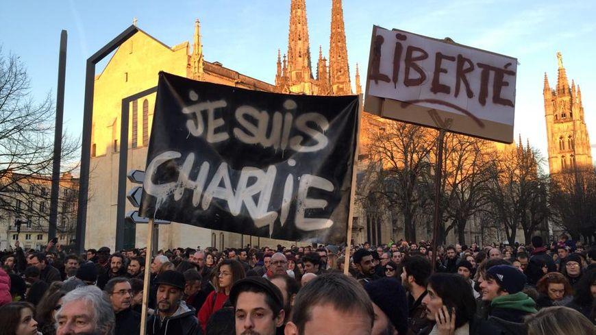 Rassemblement à Bordeaux après l'attentat à Charlie Hebdo