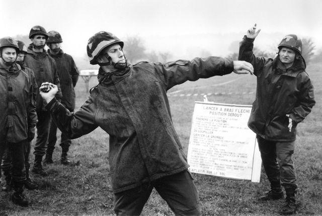 Instruction : lancer de grenade