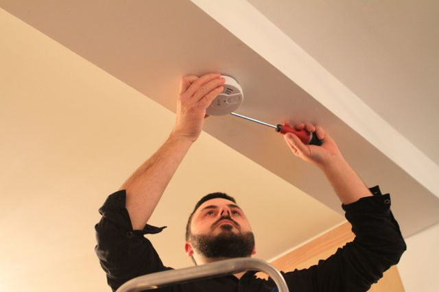 Dans un mois, les détecteurs de fumée seront obligatoires dans tous les logements.