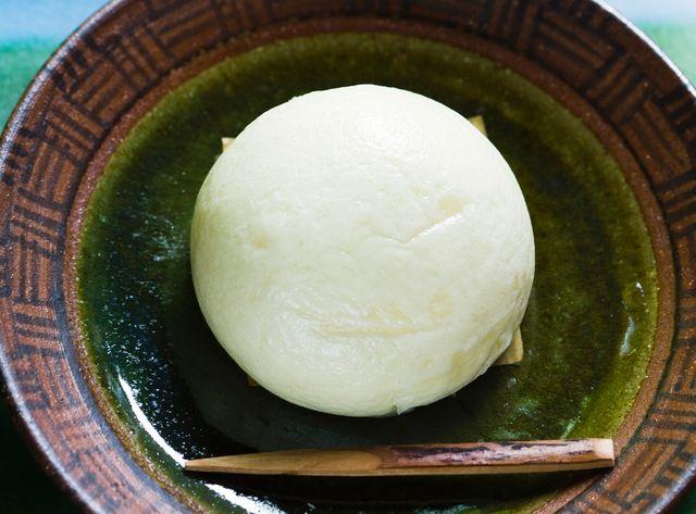 Le mochi, à base de farine de haricot rouge et de riz gluant, un mets de fête.