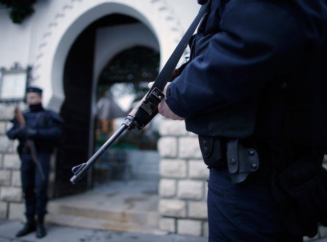 Cinq Tchétchènes soupçonnés de préparer un attentat arrêtés