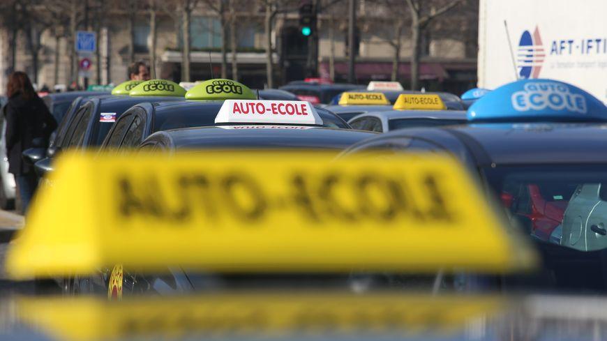 Les auto-écoles de nouveau mobilisées lundi contre la réforme du permis de conduire