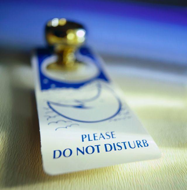 """Ne pas déranger"" / ""Do not disturb"""