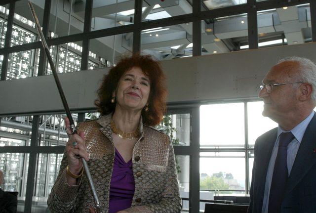 Assia Djebar devient académicienne en 2005