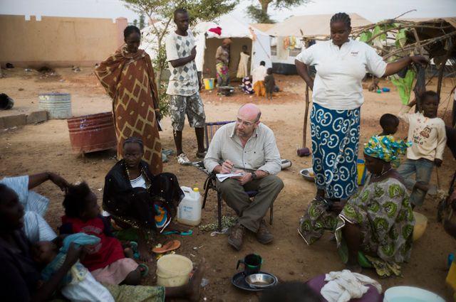 Michel Moutot dans un camp de réfugiés au Mali. Février 2013