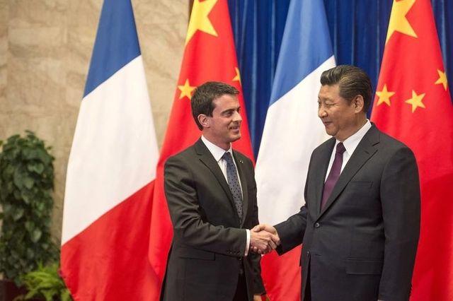 Manuel Valls et le Président chinois Xi Jinping à Pékin le 30 janvier 2015