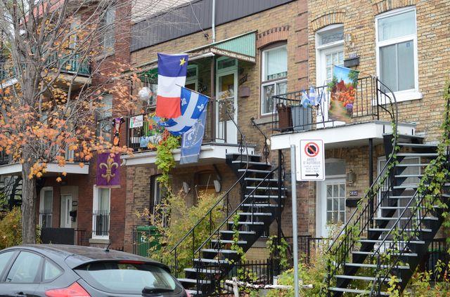 Drapeau Acadie et drapeau Québec