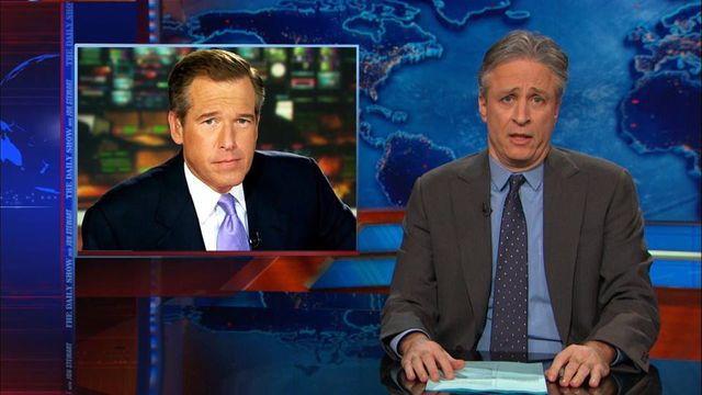 Jon Stewart, star des late-shows, évoquant le scandale Brian Williams, star de l'info (9 février 2015)