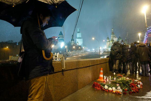Le lieu, sur un pont sur la Moskova, où Boris Nemtsov a été abattu vendredi soir