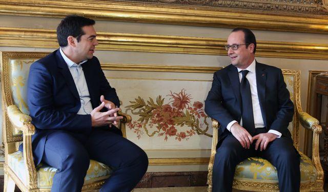 Alexis Tsipras reçu à l'Élysée par François Hollande ce mercredi.