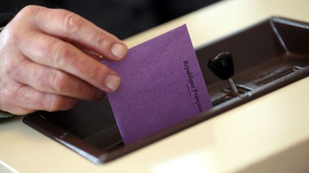 élection - bulletin - urne - vote - scrutin (illustration)