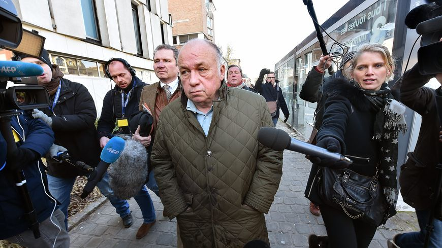 Dodo la Saumure arrive au palais de justice de Lille