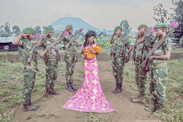 Esther a 30 ans. Elle est jeune maman d'une petite fille, qu'elle a accepté et accueilli dans sa vie, née d'un viol.