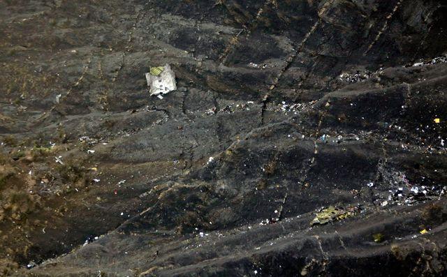 Débris de l'A320 qui s'est écrasé dans les Alpes