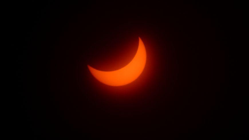 L'éclipse solaire partielle à Grenoble, le 20 mars 2015 à 10h27, à son maximum.