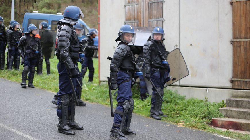 Rencontre homme gendarme
