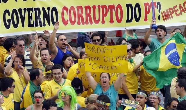 Manifestation anti-Dilma à Sao Paulo dimanche 15 mars 2015