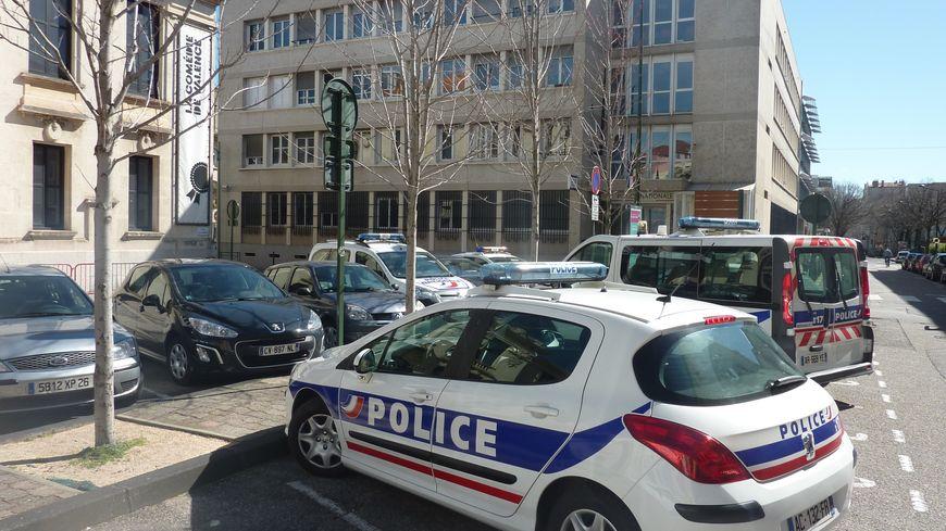 Le commissariat de Valence dans la Drôme, mars 2015