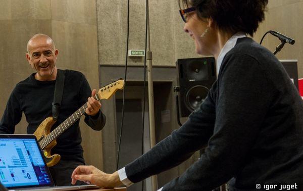 Serge Teyssot-Gay et Carol Robinson en symbiose au studio 107 par Igor Juget