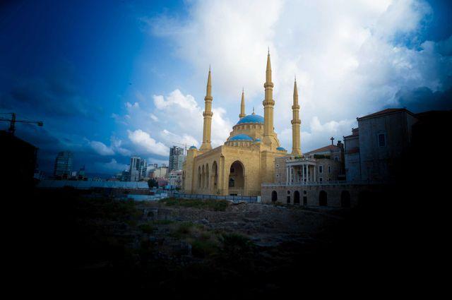 La mosquee Mohammad Al-Amin situee sur la Place des Martyrs de Beyrouth, au Liban.