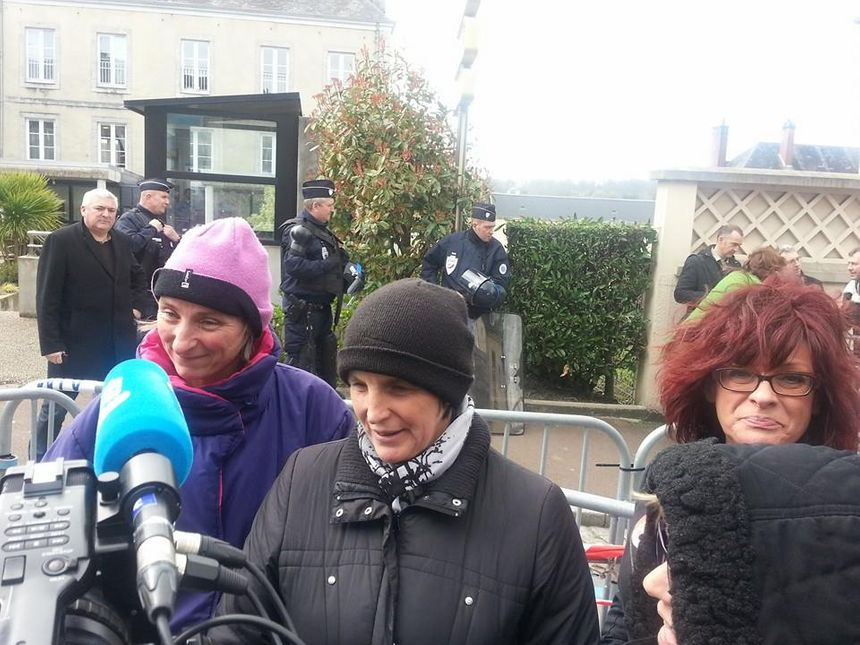 Abattoirs AIM : la joie sur les visages des salariés après la décision du tribunal de commerce de Coutances